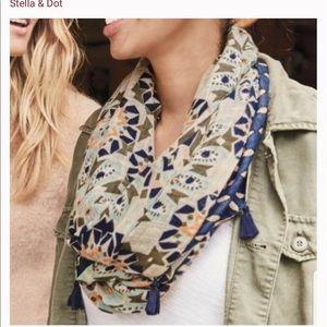 Stella & Dot reversible scarf